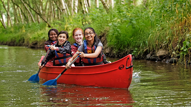 GR-C-Activity-canoeing