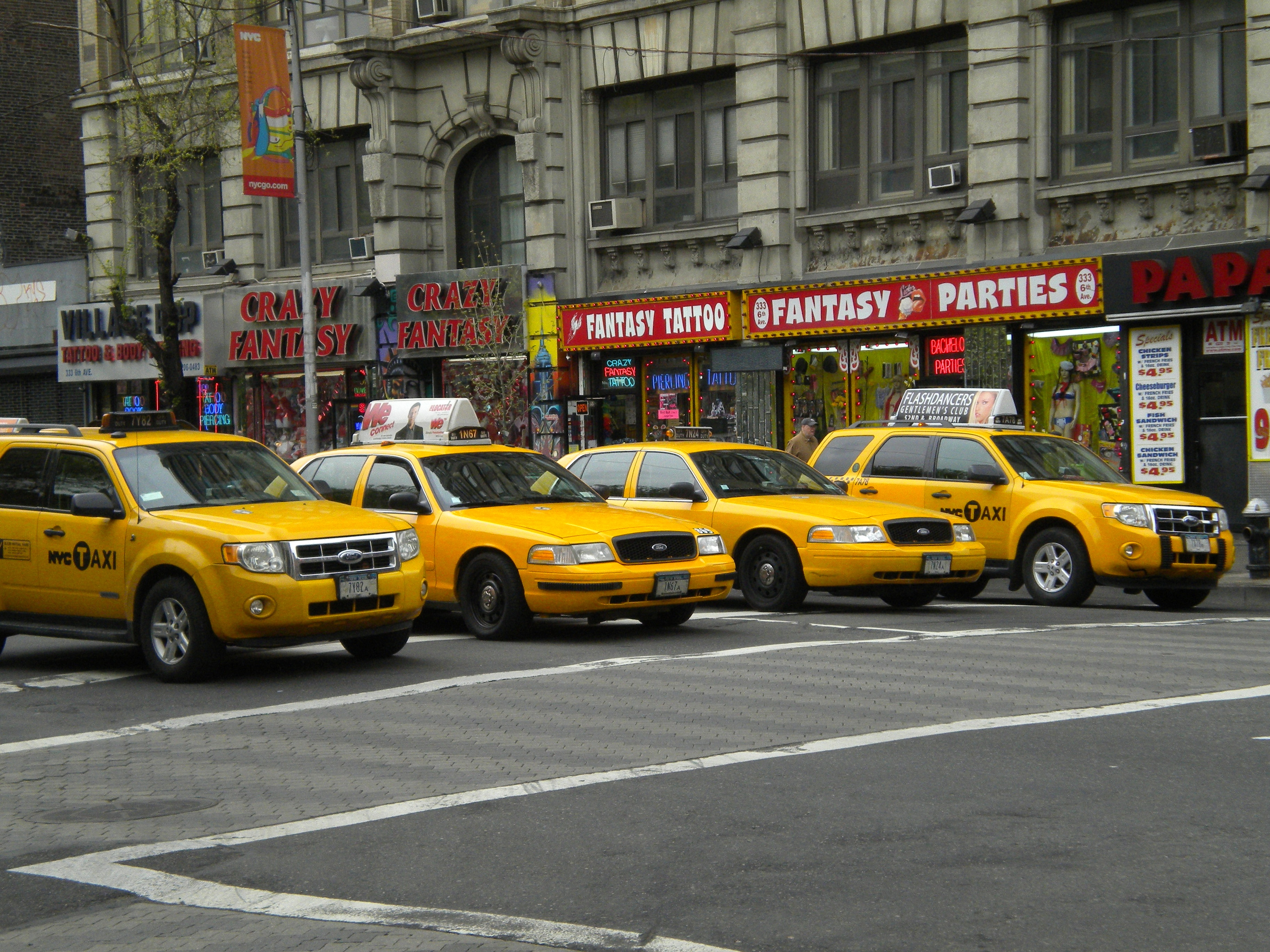 1416907534taxis1
